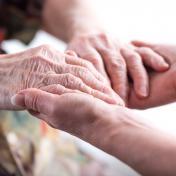 Journée mondiale contre la maltraitance des personnes âgées